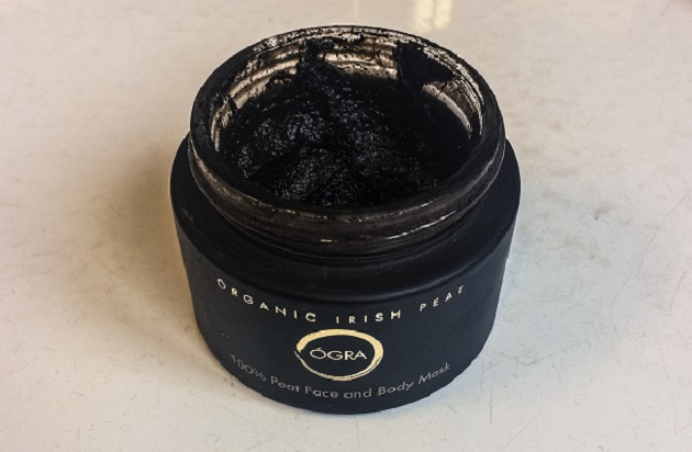 ÓGRA 100% Peat Face & Body Mask