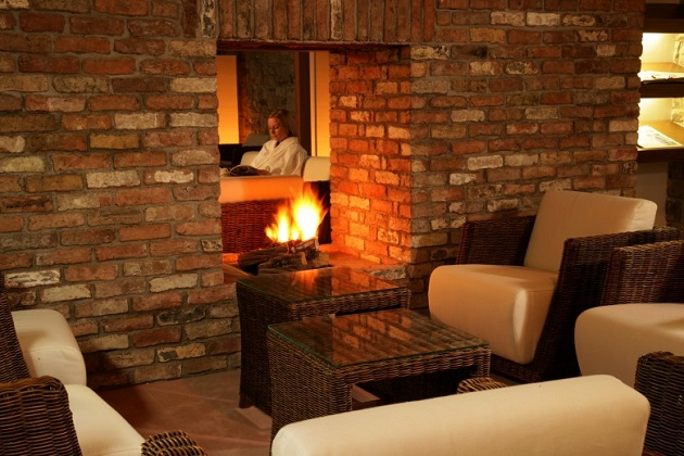 The cosy couches at the spa reception