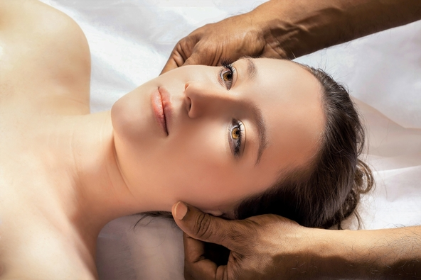 Indian head massage stress reducing treatment